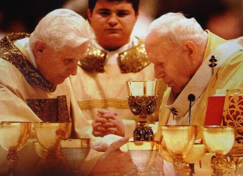http://www.tonyassante.com/baglioni/2004/fausta2/ilfaustino/renzo/ratzinger/ratzinger_wojtyla_420x347.jpg